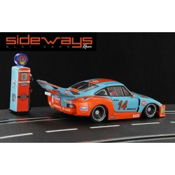 Sideways Porsche 935/77 Gulf Edition + Petrol Pump